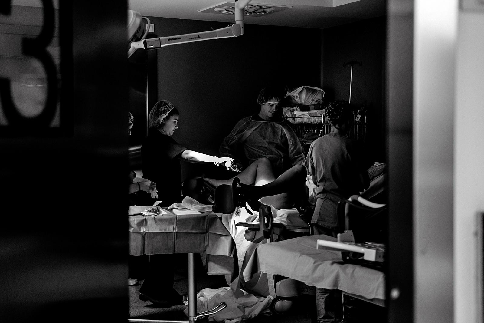 Reportaje de nacimiento, sesion de nacimiento, fotografo de partos, roberto pecino fotógrafo